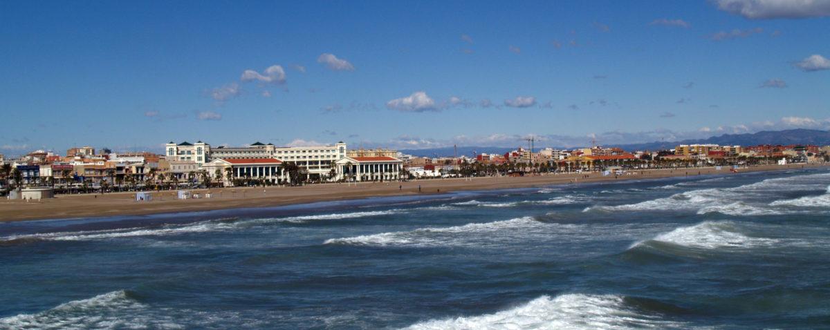 Las Arenas beach