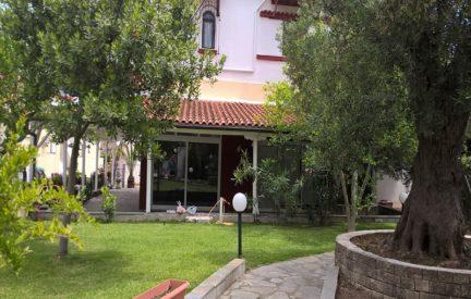 vila leonardo, polihrono, grcka